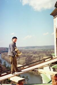 Установка колоколов на Николаевскую колокольню 14.04.1998 г.