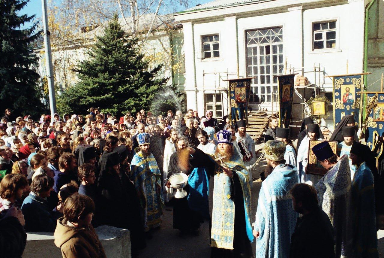Крестный ход на Покров. 14.10.1996 г.