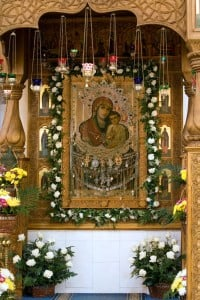 Святогорская икона Божией Матери под сенью