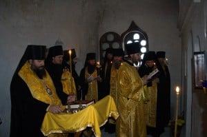 Молебен в пещерном храме