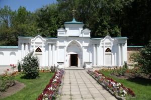 Храм прпп. Антония и Феодосия Печерских