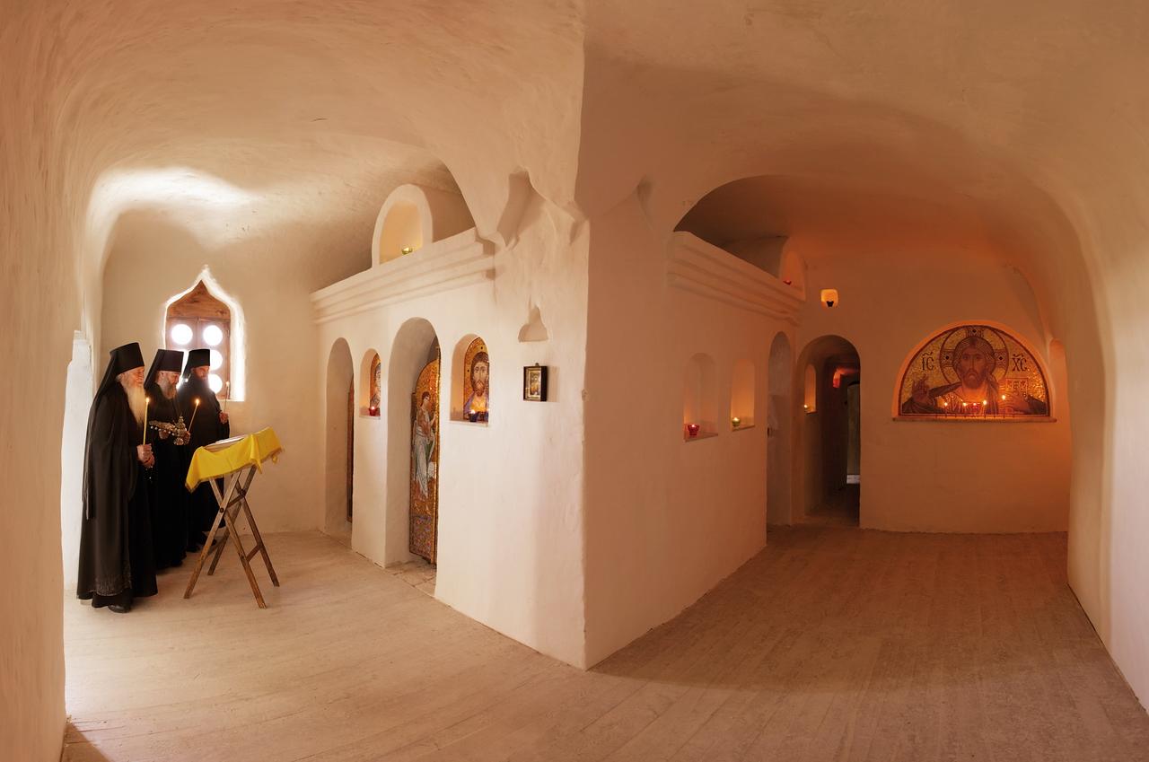 Пещеры – Свято-Успенская Святогорская Лавра