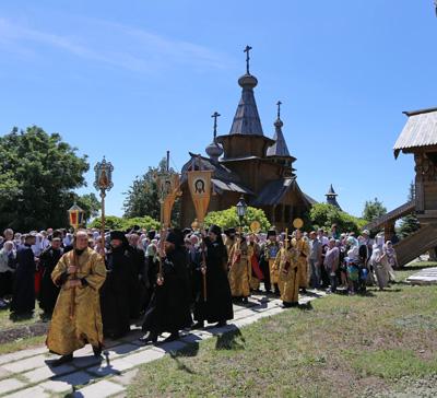 Собор Всех святых, в Церкви Русской просиявших