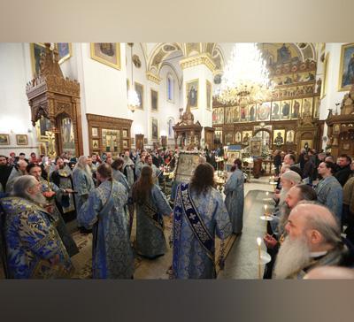 В Святогорье совершили Похвалу Пресвятой Богородице (фото,видео)