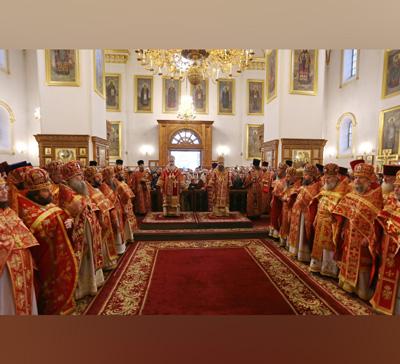Святогорскую Лавру посетило более 600 чел. Нежинской епархии во главе с архиеп. Климентом (фото,видео)