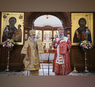 Совместное богослужение Запорожского и Святогорского архиереев (фото)