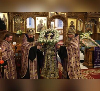 Вынос креста на утрени праздника изнесения Честных Древ Животворящего Креста Господня (фото,видео)
