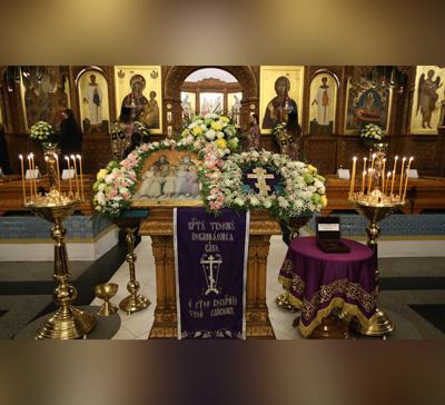 Вынос Креста в Святогорской Лавре (видео)