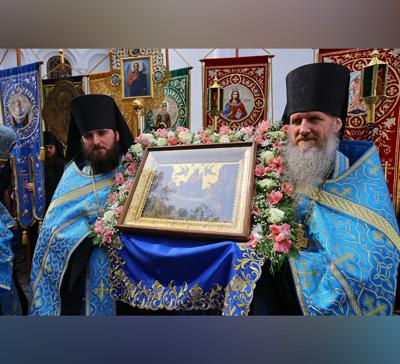 Празднование вСвятых Горах Успения Пресвятой Богородицы (фото,видео)
